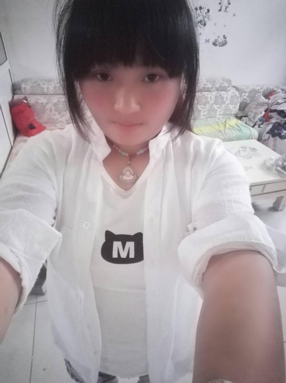 箫紫怡最新生活照